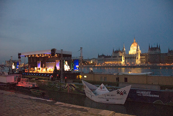Linz Europe Tour - Concert ship in Budapest